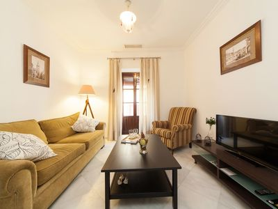 Photo for Apartment in the center of Seville with Internet, Air conditioning, Washing machine (462956)