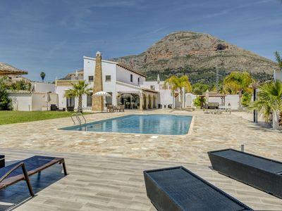 Photo for Luxurious 5 bed villa located in the beautiful town of Javea