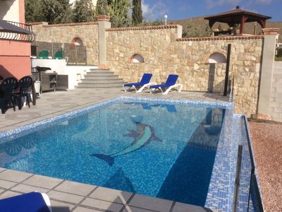 Photo for 4 BEDROOM HOUSE LOUNGE POOL TERRACE GARDEN FENCE
