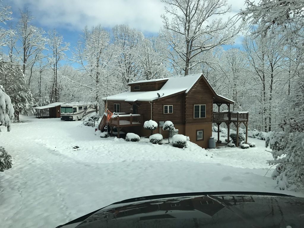 3 Bedroom Cabin With Loft And Jacuzzi Tub In Master Bathroom Rutherfordton Blue Ridge