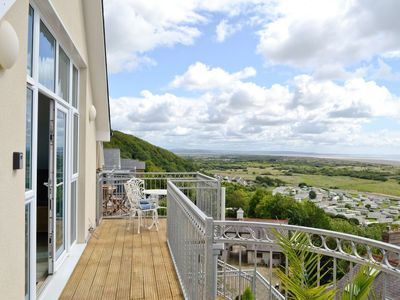 Photo for 2 bedroom property in Laugharne and Llansteffan. Pet friendly.