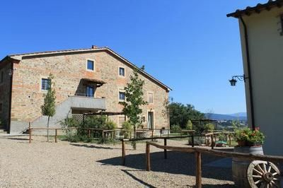 Photo for Holiday apartment Pergine Valdarno for 5 persons with 2 bedrooms - Farmhouse