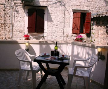 Photo for Charming 1 bed apartment right in heart of Trogir old town