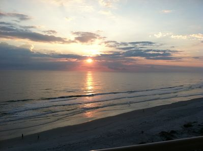 Imagine this being the first thing you see in the morning!  Sunrises are awesome