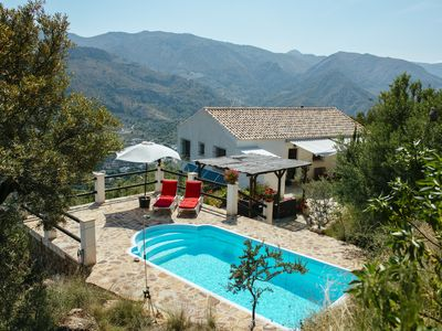 Photo for Villa with priv. pool, quiet location, 20 min. to beach, WiFi, A/C mountain & sea, UK-TV