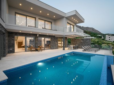 Photo for Luxury Villa Glamour with Heated Pool
