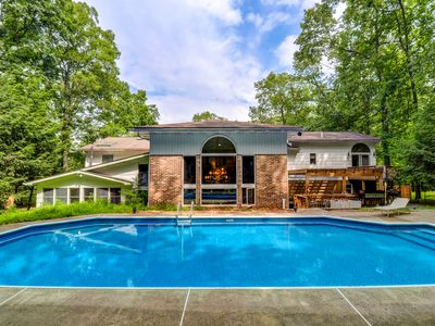Luxury Villa, PRIVATE 36' POOL/Hot Tub/Game Room/Firepit