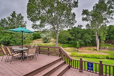 Enjoy dining & relaxing on the private deck of this Manitou Springs home!
