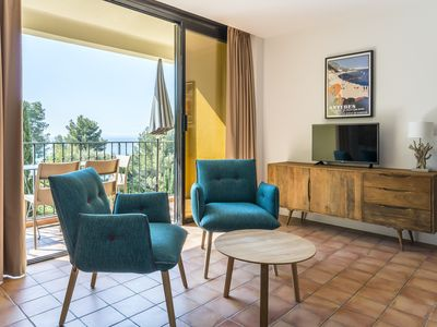 Photo for 1BR Apartment Vacation Rental in Rayol-Canadel-sur-Mer