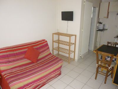 Photo for Bel appt 10 minutes walk from the metro and Paris in a quiet suburban street