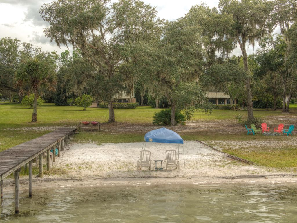 Kerr Lake Property With Dock