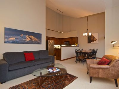 Amazing MOUNTAIN View & SKI IN/SKI OUT location. Perfect FAMILY Sized Townhome
