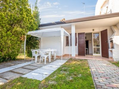 Photo for Apartment Indiana in Lido degli Scacchi - 6 persons, 2 bedrooms