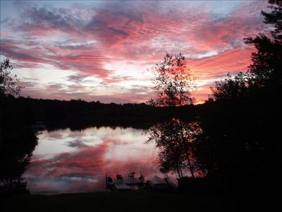 5 Bedroom Lakefront With Awesome Sunsets!