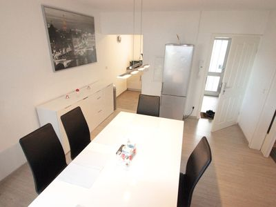 Photo for Ideal fair / guests / fitter 3 room apartment, 68m², only about 13 km Cologne / Messe, up to 5 persons, 2 separate bedrooms, living dining room. The apartment is centrally located, all shops are needed in the vicinity.