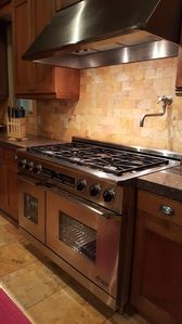 6 oven range with grill, two ovens