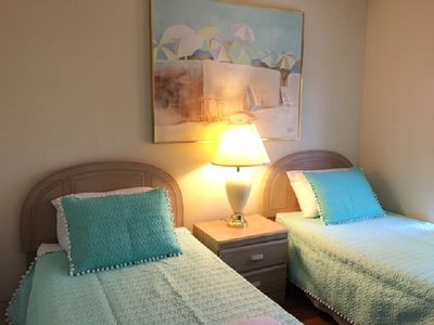 Photo for Paradise Townhome in Emerald Island Resort 5 Mins from Disney!