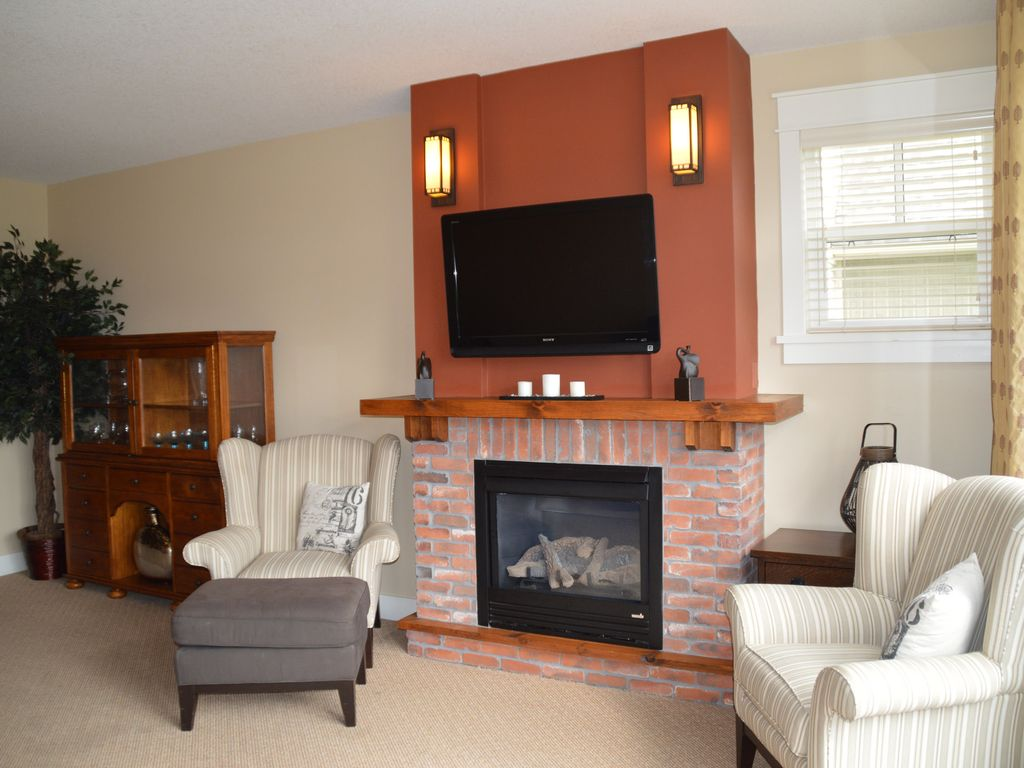 stunning 2 bedrooms 2 bathrooms condo in the blue mountain
