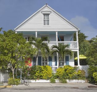 Photo for Southard Love - 2.5 Blocks to Downtown, Walk to Beach. 4 Bedrooms, 3 Baths