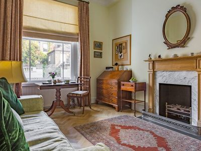 Photo for Stylish Flat Close to Victoria Station