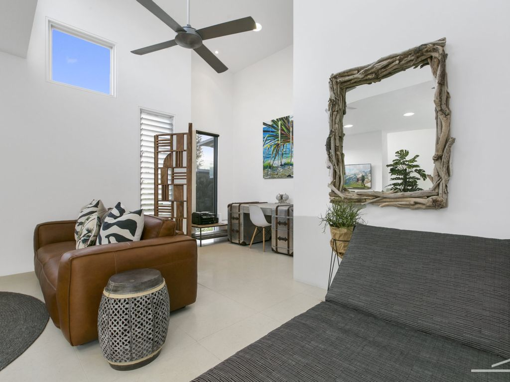 Beach house noosa 67 seaview terrace sunshine beach for 71 seaview terrace sunshine beach