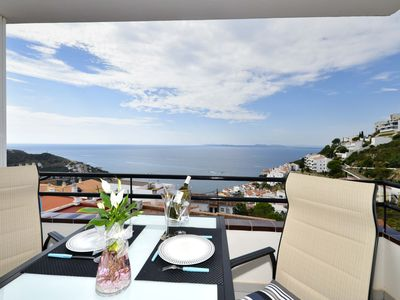Photo for SUPERB SEA AND MOUNTAIN VIEW, QUIET, BALCONY, CLOSE SEA, CLIM, PARKING