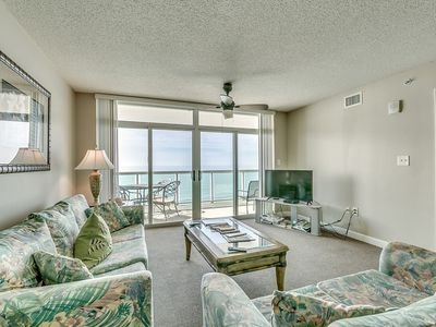 Photo for Crescent Keyes 1104, 3 Bedroom Beachfront Condo, Hot Tub and Free Wi-Fi!