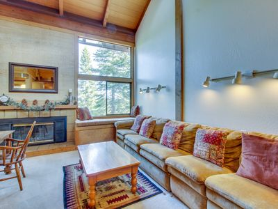 Photo for Spacious condo w/ shared pool, hot tub, sauna - close to slopes, dogs welcome!