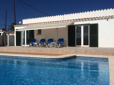 Photo for Spacious villa in great location with private pool, aircon & wifi