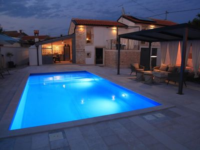 Photo for Family friendly villa, furnished to a high standard, for 6 persons