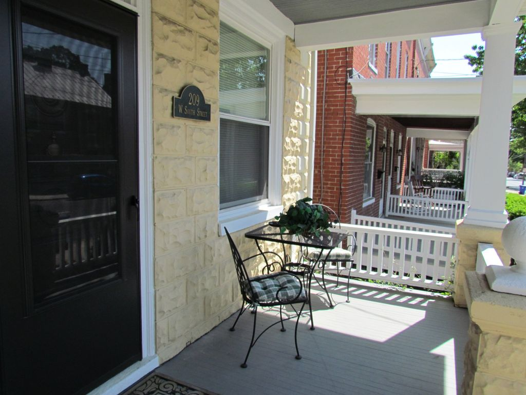 collector u0027s house downtown 3 br 2 5 ba vrbo