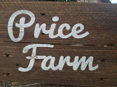 Photo for Price Farm Getaway (7 miles from UT Campus) 10 mins From Football Stadium