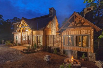 A Mayfly Lodge & Treehouse—Your Next Mountain Getaway Destination!