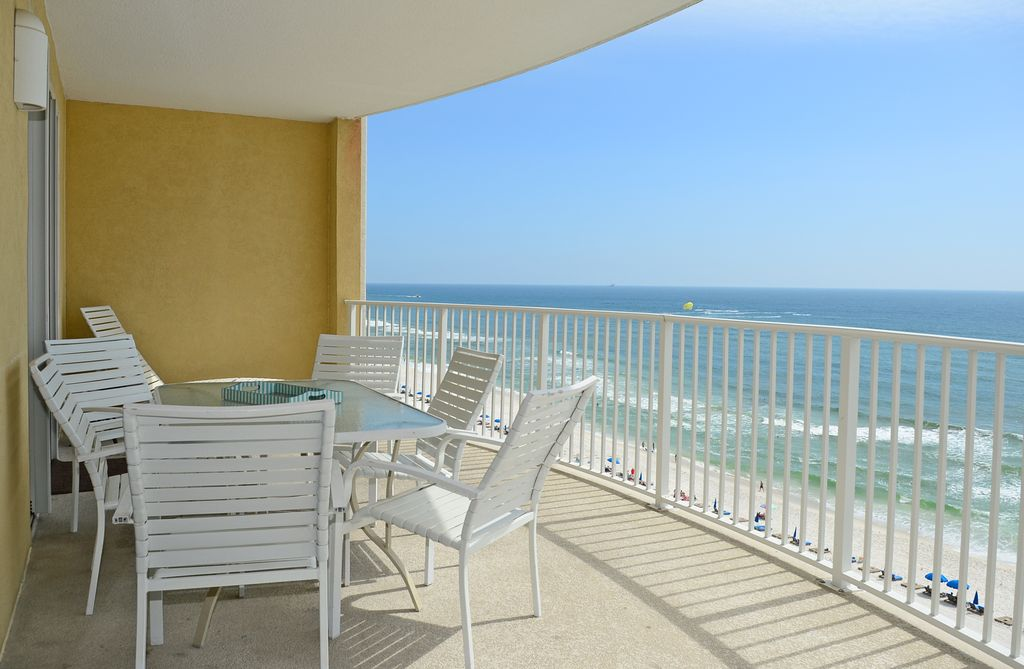Beachfront beautiful 5 star 2bd2bth huge balcony for Balcony booking