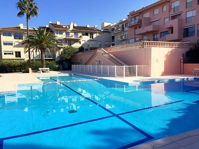 Photo for Saint-Tropez Apartment, Sleeps 4 with Pool, Air Con and WiFi