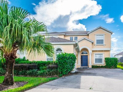 Photo for Beautiful 5 bedroom , 4.5 bathroom pool home in a fantastic location