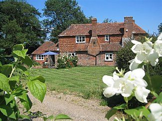 Photo for Pretty 17thC Kentish Farm £90 per room per night in peaceful rural location