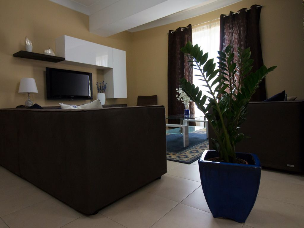 New beautiful & spacious apartment near sea front & bus station
