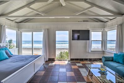Get lost in the sound of waves at this Oceanside studio!