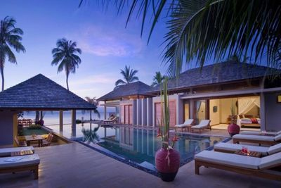 6 Beach Front Villa with Staff