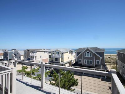 Photo for 2nd House to the Beach Sleeps 8 in 6 Beds with 3 Decks Free Golf, Splash Mountain and More Included!