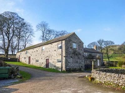 Photo for ROCK LODGE FARM, pet friendly in Priestcliffe, Ref 949124