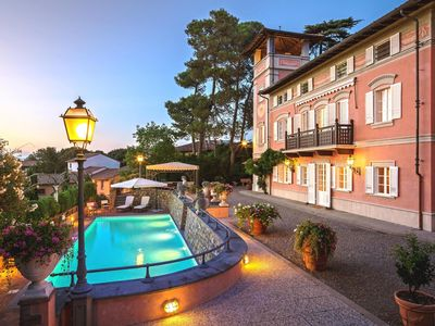 Photo for Stunning villa on the Tuscan hills with swimming pool and  tennis court.