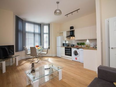 Photo for Apartment in the center of Doncaster with Internet, Washing machine (708601)