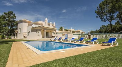 Photo for Beautiful V8 Golf villa in Vilamoura
