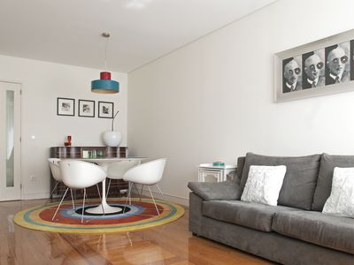 Photo for Downtown Stylish & Modern Apartment