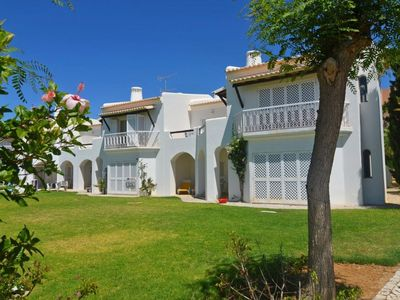 Photo for Sao Rafael. Stunning 2 Bed G.Floor Apt. Beach/pool 250m. Albufeira 5Mins by Taxi