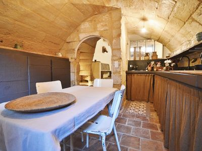 Photo for UZES CENTER HISTORIC: SUPERB HOUSE XVIII OF 100 M ² WITH GARDEN