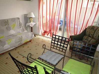 Photo for Les Sables d'Olonne, 100m from the sea, ground floor house with sunny courtyard. (2 **)