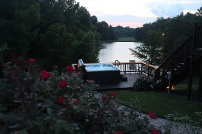 Great view looking out over Hot Tub and Docs Lake